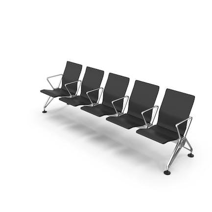 Sillas de la zona de espera del espacio público de la aerolínea