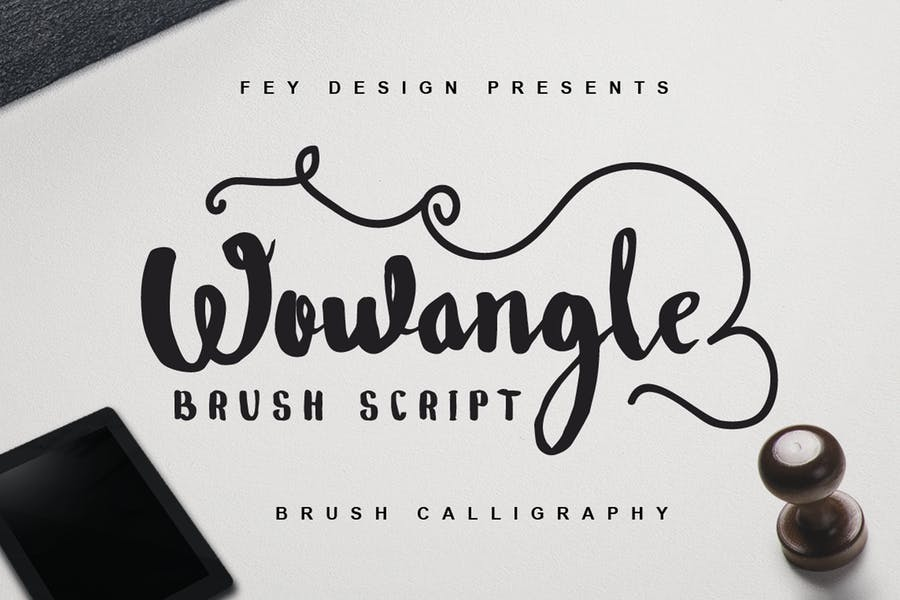 Wowangle - Brush Font