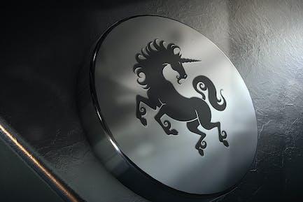 Silberfarbenes Logo Mockup