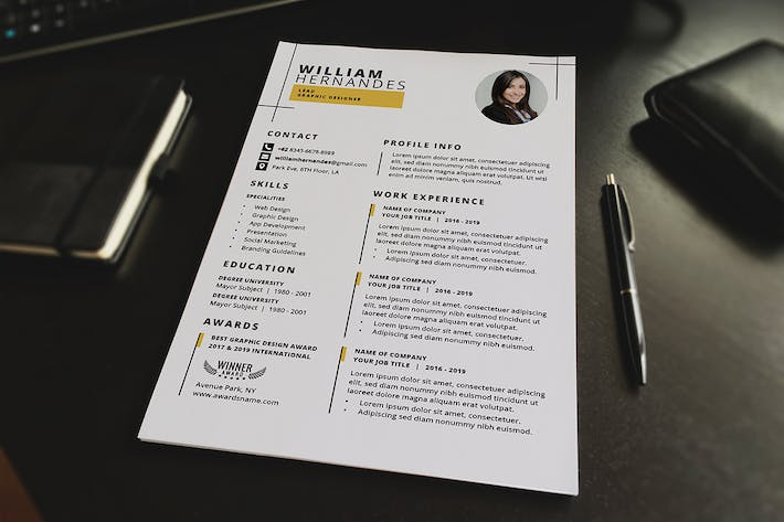 Thumbnail for Minimalist CV Resume V.1