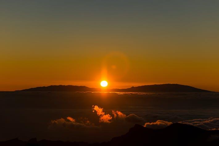 Thumbnail for 8K UltraHD Mountains Sunset Background / Wallpaper