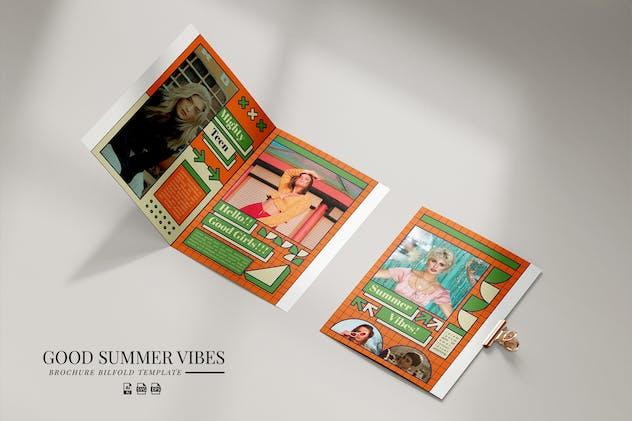 Brochure Bifold Summer Vibes