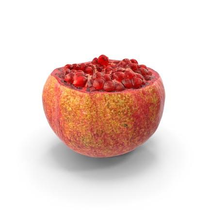 Realistisches Stück des geöffneten Granatapfels