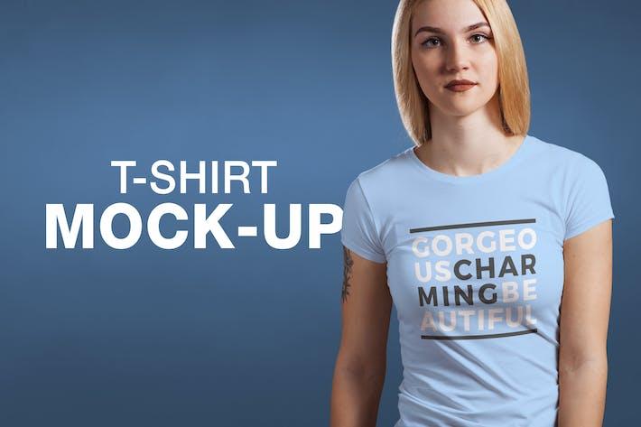 Thumbnail for T-Shirt mit Rundhalsausschnitt Mock-up Female Version