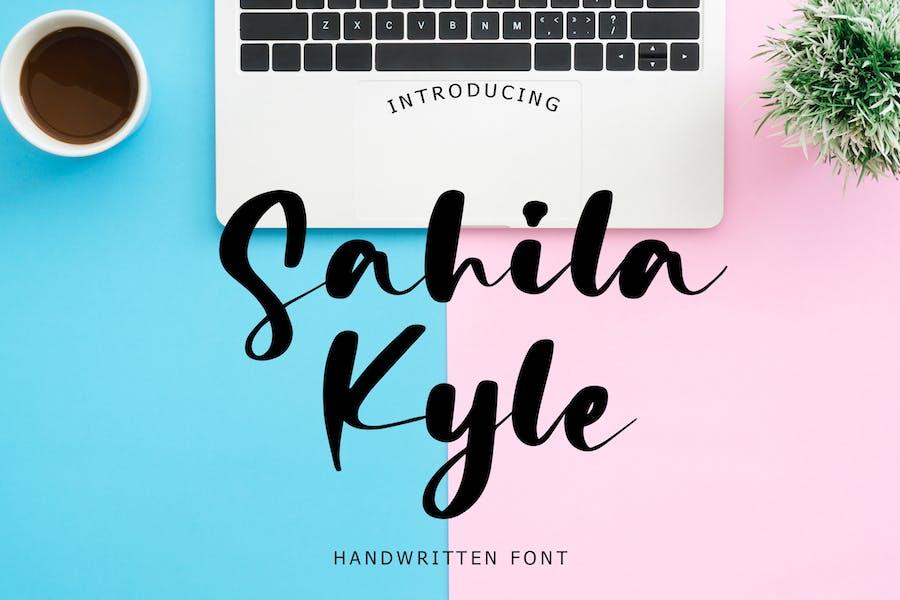 Sahila Kyle Police manuscrite
