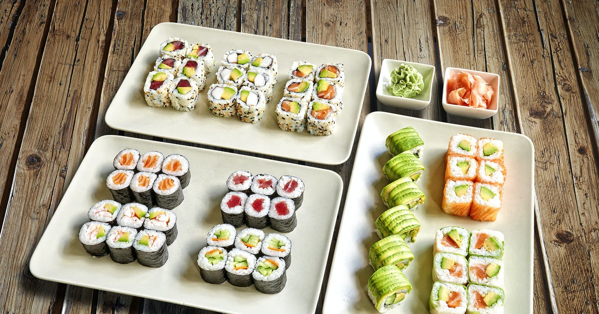 Download Sushis_Maki_Plate_PERSPECTIVE by pbombaert