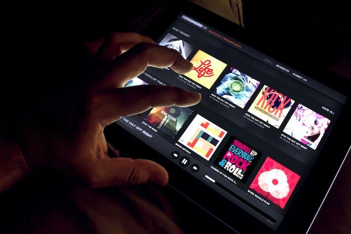 Cover Image For iPad UX App Mock-Up Set - Black Version
