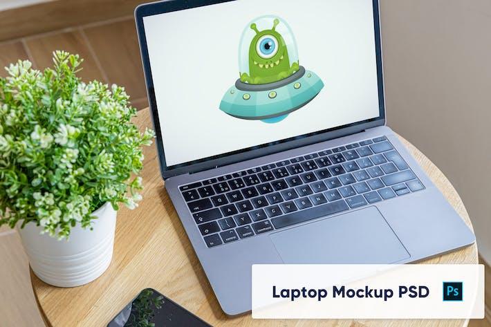 Thumbnail for Ordinateur portable sur bureau en bois - espace de travail de bureau à domicile PSD