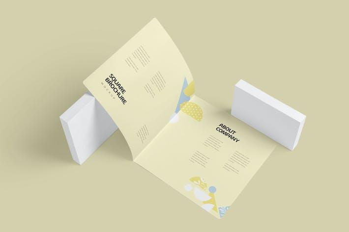 Thumbnail for Zwei gefaltete quadratische Broschüre Mock-ups