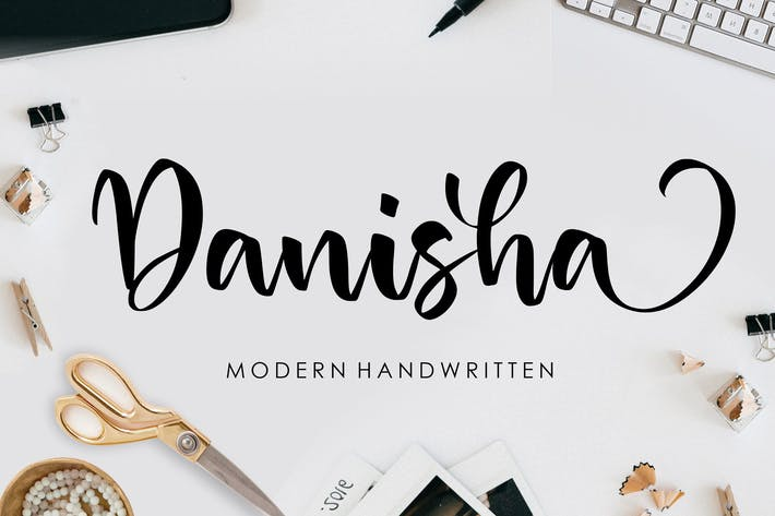 Danisha Fuente de escritura a mano YH