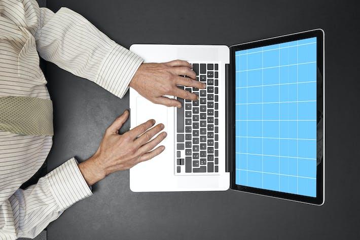 Thumbnail for Mann auf Laptop\_Mockup