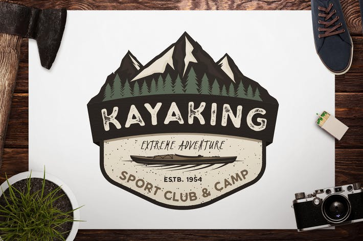 Thumbnail for Badge en kayak rétro/Logo de camping aventure