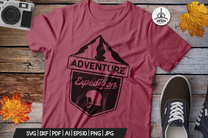 Vintage Adventure Logo / Retro Camp Hipster Badge