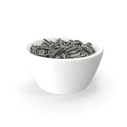 Полосатые семена подсолнечника в миске