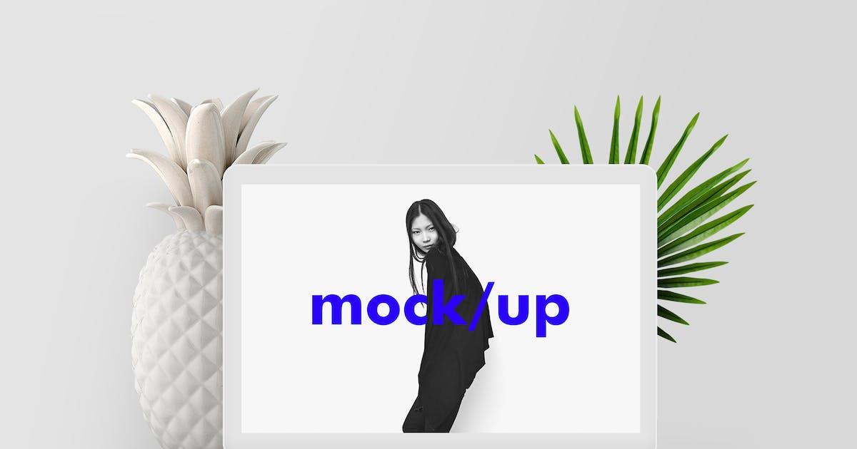 Minimalist MacBook Screen Showcase Mock-up PSD by theme_bubble