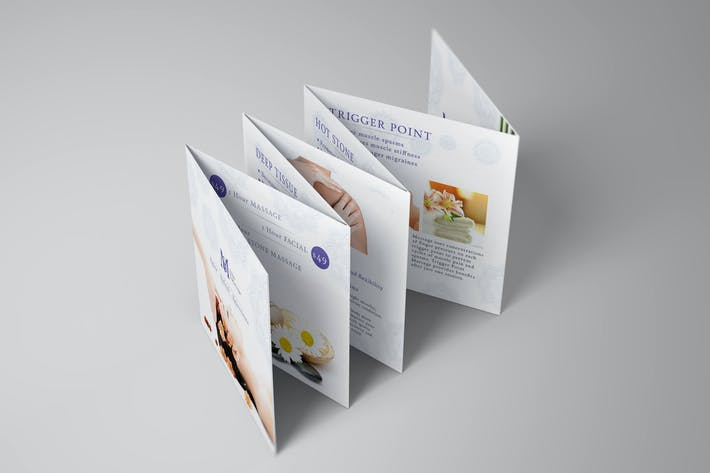 Thumbnail for Quadratische Mini-Broschüre Seven Panel Mock-ups 01