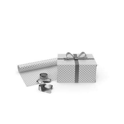 Weiße und silberne Muster-Geschenkbox mit Papierrolle und Silberfolien-Band